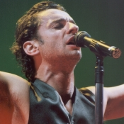 Depeche_Mode_Concert_Photos_Tall_Picslive_01
