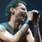 Depeche_Mode_Concert_Photos_Tall_Picslive_11