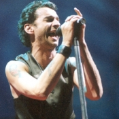 Depeche_Mode_Concert_Photos_Tall_Picslive_12
