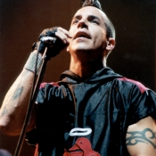 Red_Hot_Chili_Peppers_Concert_Photos_Tall_Picslive_01