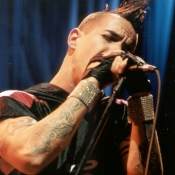 Red_Hot_Chili_Peppers_Concert_Photos_Tall_Picslive_04
